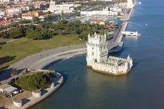 Flyg- sikt av det Belem tornet - Torre de Belem i Lissabon, Portugal Royaltyfria Foton