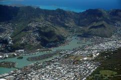 Flyg- sikt av det Kuapa dammet, Hawaii Kai Town, lovart- kust Arkivfoto
