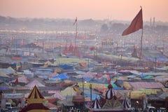 Flyg- sikt av det Maha Kumbh Mela festivallägret arkivfoton