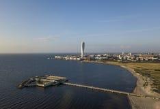Flyg- sikt av det Ribersborg strand- och Vastra Hamnen området i Malmo royaltyfri bild