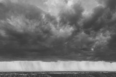 Flyg- sikt av dramatiska moln Royaltyfria Foton