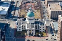 Flyg- sikt av en St Louis Landmark Royaltyfri Bild