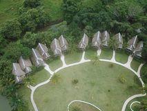 Flyg- sikt av en strandsemesterort i Panama royaltyfria bilder