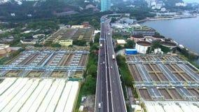 Flyg- sikt av en trafik som kör på en motorway stock video