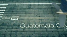 Flyg- sikt av ett flygplan som ankommer till den Guatemala City flygplatsen Lopp till den Guatemala 3D tolkningen Royaltyfri Illustrationer