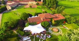 Flyg- sikt av ett hus för gammalt land i Italien Arkivbilder