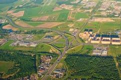 Flyg- sikt av föreningspunkten för motorwaymotorvägvägar Royaltyfri Fotografi