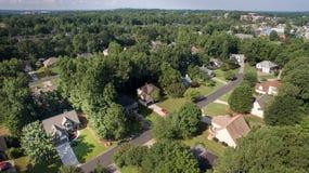 Flyg- sikt av förorts- hus i sydlig Förenta staterna arkivfoton