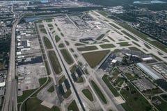 Flyg- sikt av Fort Lauderdale, Hollywood internationell flygplats arkivfoto