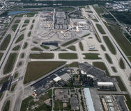 Flyg- sikt av Fort Lauderdale, Hollywood internationell flygplats arkivbild