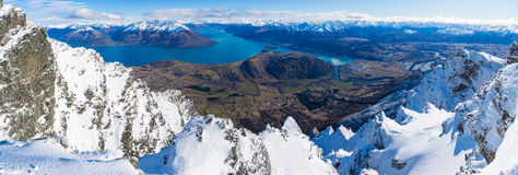 Flyg- sikt av Frankton och sjön WakatipuQueenstown, Nya Zeeland Royaltyfria Foton