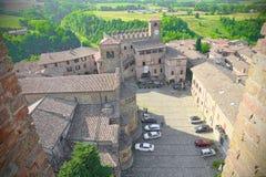 Flyg- sikt av fyrkanten av Castell'Arquato, medeltida by Royaltyfria Bilder