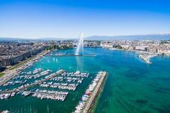 Flyg- sikt av Genèvestaden - Schweiz royaltyfria bilder