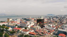 Flyg- sikt av Georgetown Penang, Malaysia lager videofilmer