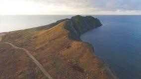 Flyg- sikt av härlig seascape i Malaysia skjutit Flyg- sikt på stenig eller cliffy kust någonstans i Malaysia arkivfoto