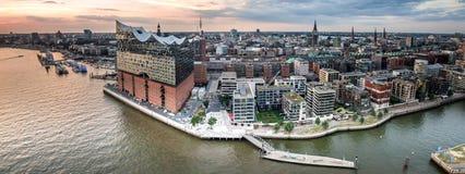 Flyg- sikt av Hafencityen Hamburg arkivfoton