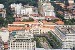 Flyg- sikt av Ho Chi Minh City det tidigare Saigon stadshuset Arkivfoto
