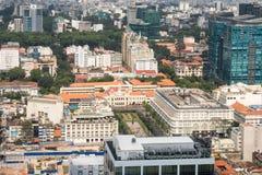 Flyg- sikt av Ho Chi Minh City tidigare Saigon in mot staden Hal Arkivfoton