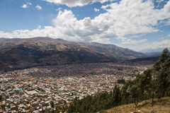 Flyg- sikt av Huaraz, Peru Royaltyfria Bilder