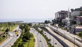 Flyg- sikt av huvudvägen till Samsun Arkivbild