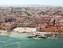 Flyg- sikt av i stadens centrum Lissabon Royaltyfri Bild
