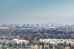 Flyg- sikt av i stadens centrum San Jose på en klar dag, Silicon Valley, Kalifornien Royaltyfri Bild