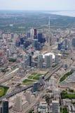 Flyg- sikt av i stadens centrum Toronto Arkivfoton