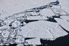 Flyg- sikt av isberget Arkivfoto