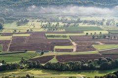Flyg- sikt av jordbruks- fält royaltyfri fotografi