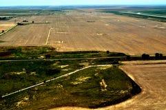 Flyg- sikt av jordbruksmarker Arkivbilder