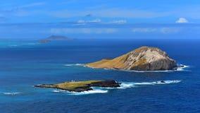 Flyg- sikt av kaninön och den Kaohikaipu ön i Oahu Arkivbilder