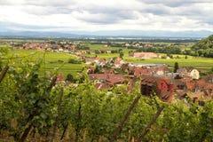 Flyg- sikt av Kaysersberg, Alsace, Frankrike arkivbild