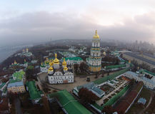 Flyg- sikt av Kiev-Pechersk Lavra Royaltyfri Foto