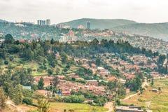 Flyg- sikt av Kigali från ett avstånd arkivfoton