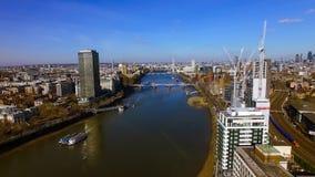 Flyg- sikt av konstruktionsbyggnadsutveckling i centrala London Arkivfoto