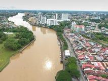 Flyg- sikt av Kuching, huvudstaden av Sarawak, Malaysia - serie 3 Royaltyfri Fotografi