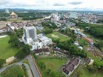 Flyg- sikt av Kuching, huvudstaden av Sarawak, Malaysia - serie 5 Royaltyfria Bilder