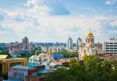 Flyg- sikt av kyrkan på blod i heder i Yekaterinburg Arkivbild
