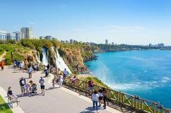 Flyg- sikt av lägre Duden vattenfall i Antalya, Turkiet Arkivbild