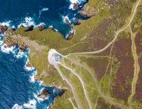 Flyg- sikt av lands slut i Cornwall Arkivfoton