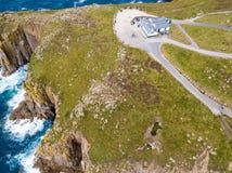 Flyg- sikt av lands slut i Cornwall Arkivfoto