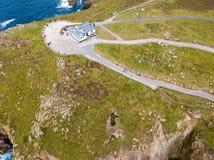 Flyg- sikt av lands slut i Cornwall Arkivbild
