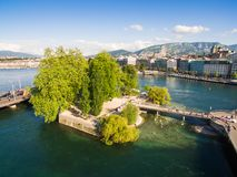 Flyg- sikt av Leman sjön - Genèvestad i Schweiz Arkivbilder