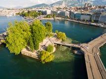 Flyg- sikt av Leman sjön - Genèvestad i Schweiz Royaltyfri Bild