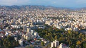 Flyg- sikt av Limassol cityscape cyprus lager videofilmer