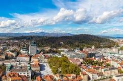Flyg- sikt av Ljubljana i Slovenien Arkivfoton