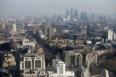 Flyg- sikt av London från den Walkie Talkiebyggnaden på gatan för 20 Fenchurch Arkivfoton