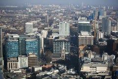 Flyg- sikt av London från den Walkie Talkiebyggnaden på gatan för 20 Fenchurch Royaltyfri Bild