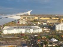 Flyg- sikt av London - landning Arkivbilder