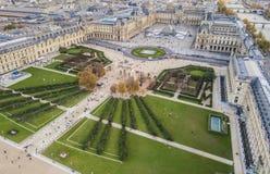 Flyg- sikt av Louvremuseet fotografering för bildbyråer